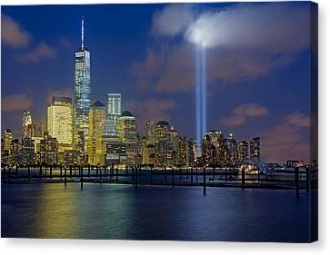 Wtc Tribute In Lights Nyc 1 Canvas Print by Susan Candelario