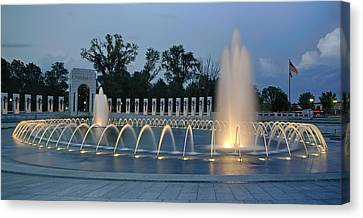 Ww II Memorial At Sunset Canvas Print