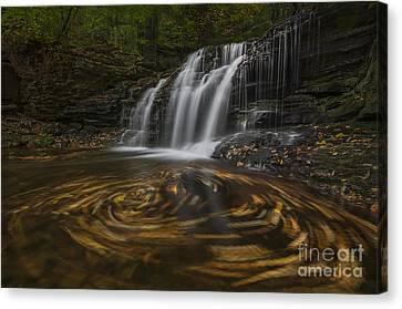 Canvas Print featuring the photograph Wyandot Falls by Roman Kurywczak