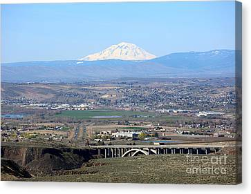 Yakima Valley Outlook With Mount Adams Canvas Print by Carol Groenen