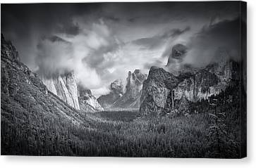 Yosemite Valley Canvas Print - Yosemite Valley by Mike Leske