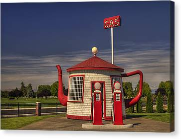 Zillah Teapot Dome Service Station Canvas Print by Mark Kiver
