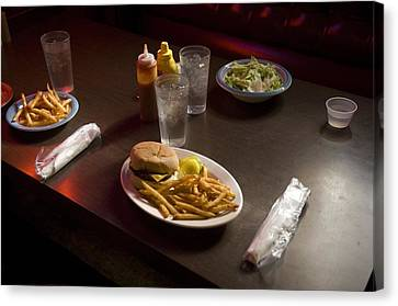 A Hamburger Lunch At A Restaurant Canvas Print by Joel Sartore