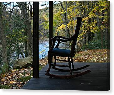 Canvas Print featuring the photograph A Perfect Seat by Cheryl Perin
