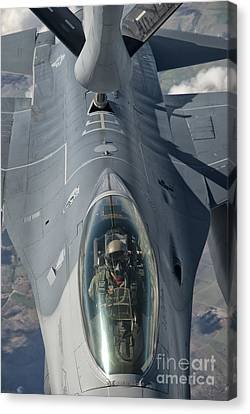 A U.s. Air Force F-16c Fighting Falcon Canvas Print by Giovanni Colla