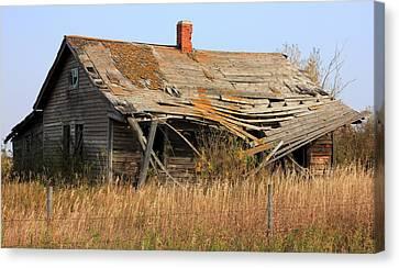 Abandoned Alberta Prairie Home Canvas Print