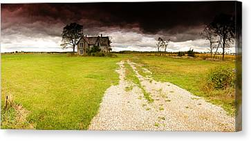 Abandoned Farmhouse Canvas Print by Cale Best