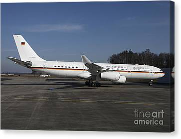 An Airbus 340 Acting As Air Force One Canvas Print by Timm Ziegenthaler