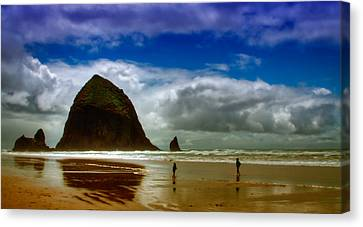 Cannon Beach At Dusk Canvas Print by David Patterson