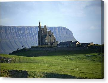 Classiebawn Castle, Mullaghmore, Co Canvas Print by Gareth McCormack