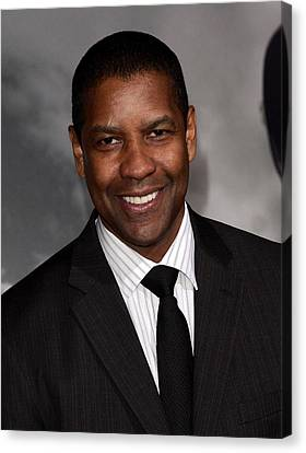 Denzel Washington At Arrivals For The Canvas Print by Everett