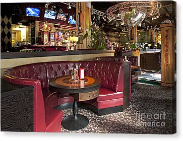 Dining Booth In An American Style Diner Canvas Print by Jaak Nilson