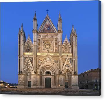 Europe Italy Umbria Orvieto Orvieto Canvas Print