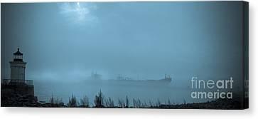 Foggy Morn Canvas Print by David Bishop