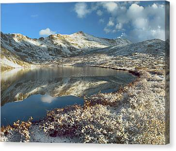 Geissler Mountain And Linkins Lake Canvas Print by Tim Fitzharris