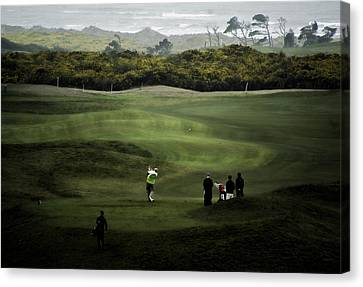 Golf At The Dunes Canvas Print by Dale Stillman