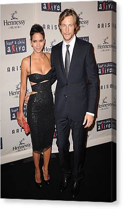 Halle Berry, Gabriel Aubry At Arrivals Canvas Print by Everett