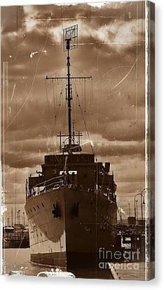 Canvas Print featuring the photograph Hmas Castlemaine by Blair Stuart