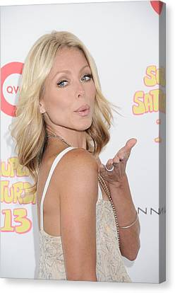 Kelly Ripa In Attendance For Super Canvas Print by Everett
