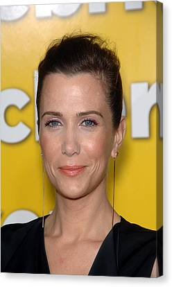 Kristen Wiig At Arrivals For Paul Canvas Print by Everett
