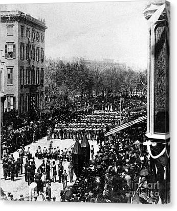 Lincolns Funeral Procession, 1865 Canvas Print by Photo Researchers