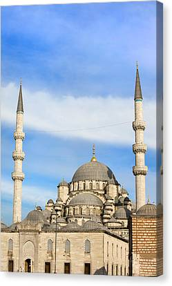 New Mosque In Istanbul Canvas Print by Artur Bogacki