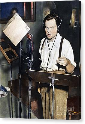 Orson Welles (1915-1985) Canvas Print by Granger