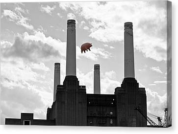 Pink Floyd Pig At Battersea Canvas Print by Dawn OConnor