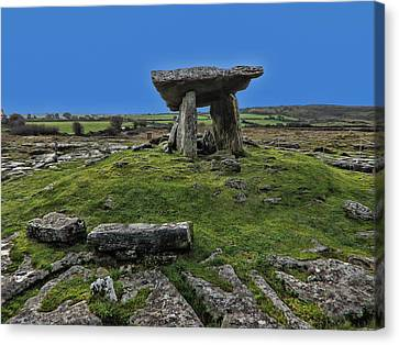 Canvas Print featuring the photograph Poulnabrone Dolmen by David Gleeson