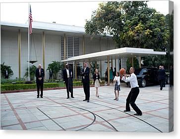 President Barack Obama Shoots Hoops Canvas Print by Everett
