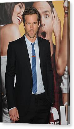 Ryan Reynolds At Arrivals For The Canvas Print by Everett