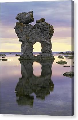 Sea Arch Canvas Print by Bjorn Svensson
