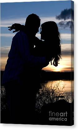 Silhouette Of Romantic Couple Canvas Print