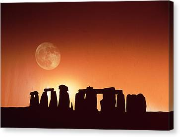 Stonehenge, England Canvas Print by John Foxx