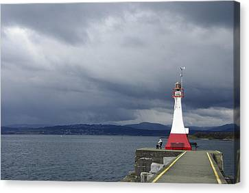 Canvas Print featuring the photograph Stormwatch by Marilyn Wilson