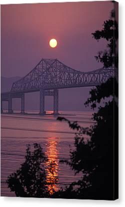 Tappen Zee Bridge At Sunset Canvas Print by Richard Nowitz