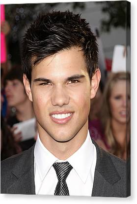 Taylor Lautner At Arrivals For The Canvas Print by Everett