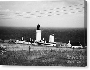 The Lighthouse At Dunnet Head Most Northerly Point Of Mainland Britain Scotland  Canvas Print by Joe Fox