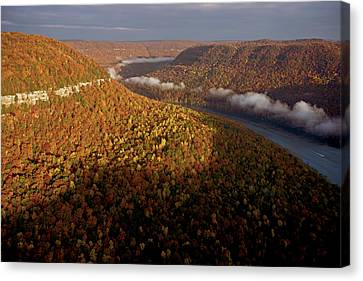 The Tennessee River Cuts Through Signal Canvas Print by Stephen Alvarez