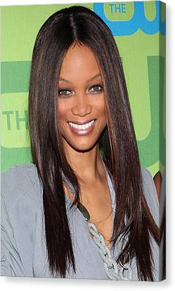 Tyra Banks At Arrivals For The Cw Canvas Print by Everett