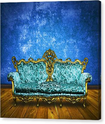 Victorian Sofa In Retro Room Canvas Print by Setsiri Silapasuwanchai
