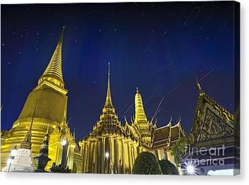Wat Phra Kaew Canvas Print by Anek Suwannaphoom