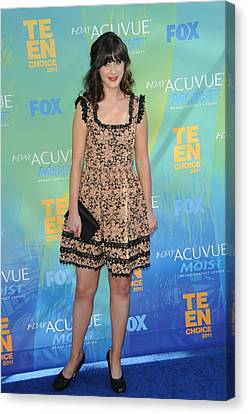 Zooey Deschanel At Arrivals For 2011 Canvas Print by Everett