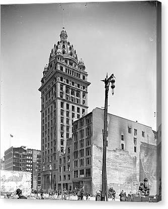 1906 San Francisco Earthquake Damage To Call Building Canvas Print