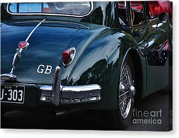 1956 Jaguar Xk 140 - Rear And Emblem Canvas Print by Kaye Menner