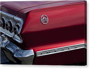 1963 Chevrolet Impala Ss Taillight Canvas Print by Jill Reger