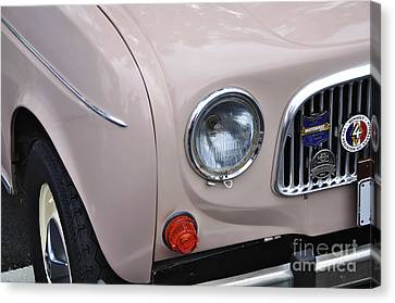 1963 Renault R4 - Headlight And Grill Canvas Print by Kaye Menner