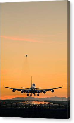 Aeroplane Landing, Canada Canvas Print by David Nunuk