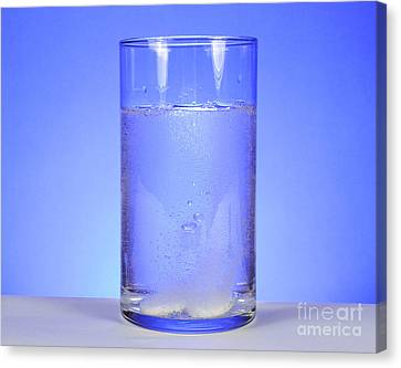 Alka-seltzer Dissolving In Water Canvas Print by Photo Researchers, Inc.