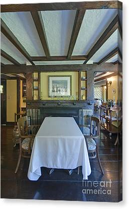 Hastings House Dining Room Canvas Print by Rob Tilley